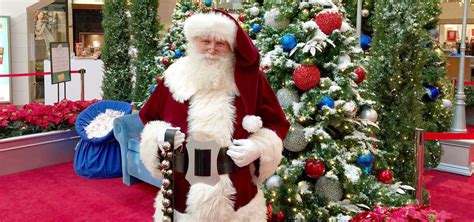 see santa on photos and visits with santa events dulles town center