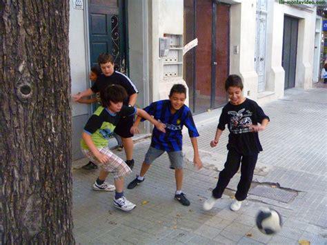 imagenes de niños jugando futbol en la calle f 250 tbol sin compromisos naturalizados 191 soluci 243 n problema
