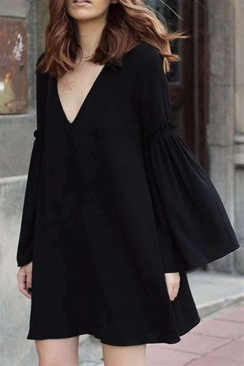 Flowy Baloon Sleeve Top 38 ways to wear bell sleeve tops and dresses to make a