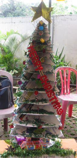 lomba membuat pohon natal go green x mas pohon natal dari barang bekas oleh dwi