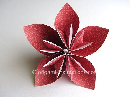 How To Make Kusudama Paper Flowers - origami flower easy origami kusudama flower folding
