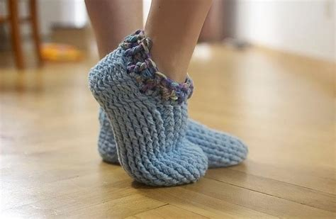 crocheted slipper patterns 10 free patterns for crochet slippers