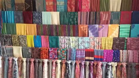 Jilbab Segiempat Bunga Kerudung Katun Square jenis dan bahan yang banyak dipakai untuk berjilbab
