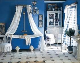 Flea market style meets the french countryside in this lovely bathroom