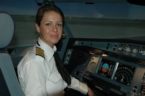 Commercial Woman Pilot | etihad pilot qualifies to become first female captain