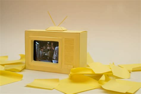 How To Make A Paper Tv - paper iphone tv set trickartt notes