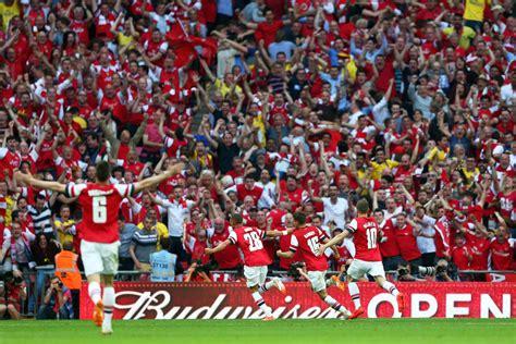 arsenal fans arsenal v hull city fa cup final zimbio