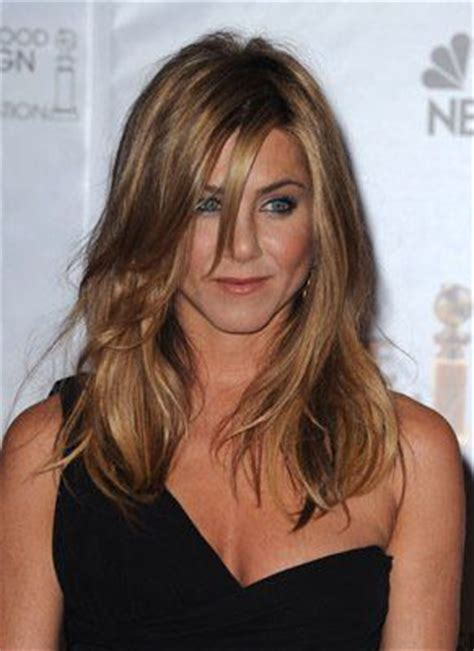 jennifer aniston base hair color jennifer aniston jennifer o neill and bangs on pinterest