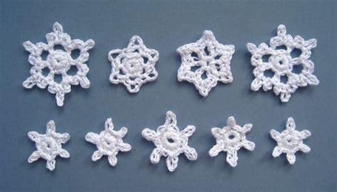 printable mini snowflakes how to crochet snowflake patterns 33 amazing diy