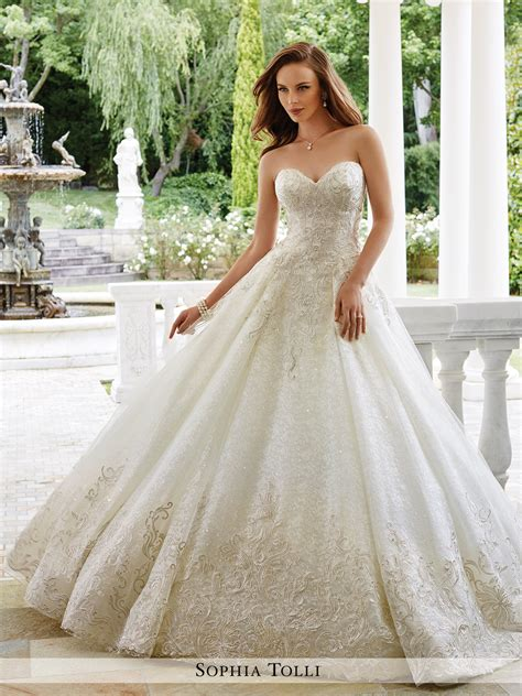Wedding Dress by Y21661 Veneto Tolli Wedding Dress