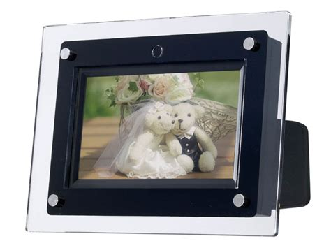 Iriver Unveils Df150 Digital Photo Frame by Iriver Photo Frame Is Capable Of Mpeg4 Avc H 264 Encoded
