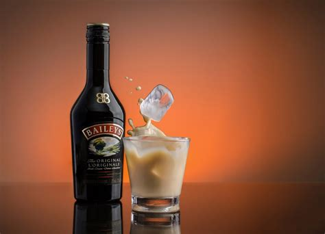 coffee liqueur wallpaper baileys irish cream liquor splash hd wallpaper