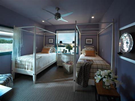 bedroom ideas for two twin beds home delightful hgtv dream home 2010 guest bedroom pictures and video