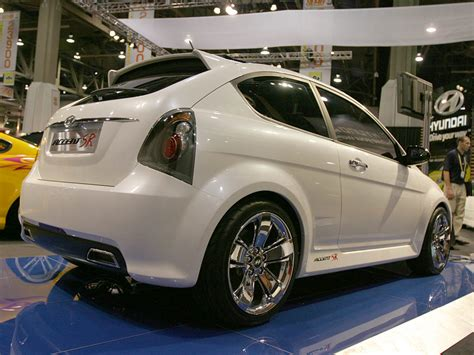 file 2006 2007 hyundai accent mc fx limited edition hatchback 01 jpg wikimedia commons 2007 hyundai accent sr concept review supercars net