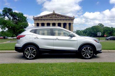 Nissan Small Suv by Review 2017 Nissan Rogue Sport Joins The Small Suv