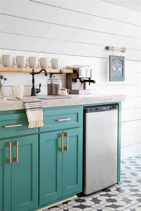 green kitchen cabinet ideas 20 gorgeous green kitchen cabinet ideas
