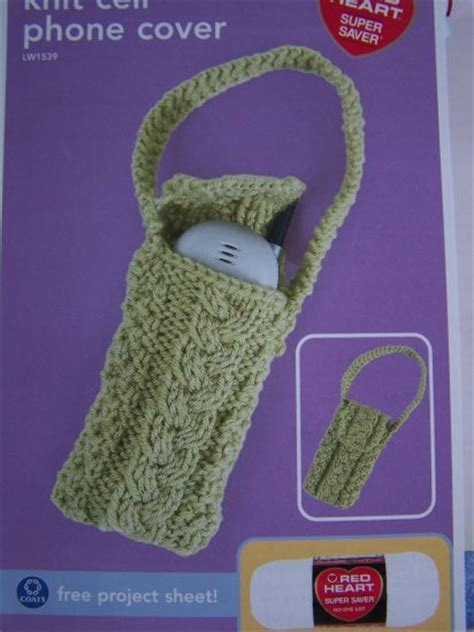 cell phone pattern hacker cable knit cell phone holder purse knitting pattern usa 1