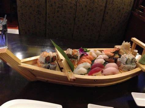 sumo sushi boat photo0 jpg picture of sumo hibachi sushi restaurant
