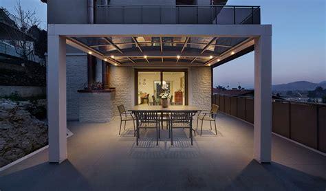 verande moderne tettoie in legno e ferro verande a vetri a scomparsa in