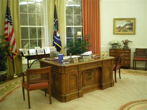 oval office tour at the ronald reagan library youtube oval office picture of ronald reagan presidential