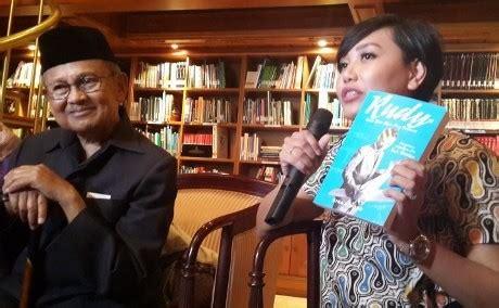 Biografi Rudy Habibie | b j habibie luncurkan biografi rudy kisah masa muda