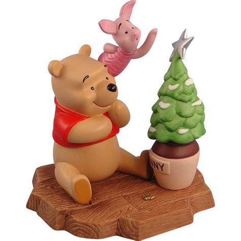 Winnie Backroom by Pooh Friends Porcelain Figurine Limited