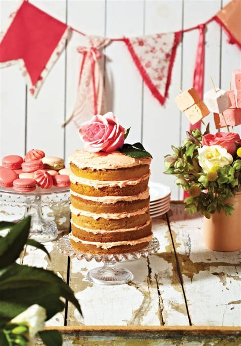 Backyard Wedding Cakes Wedding Cakes To Suit Every Type Of Venue Weddingbells