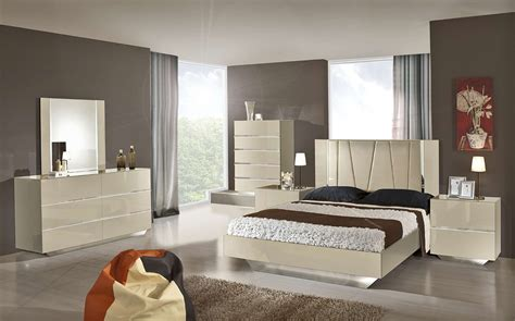 modern italian bedroom sets luxor modern beige lacquer italian bedroom set