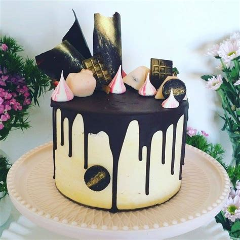 42 best images about Drippy Cakes on Pinterest   Chocolate