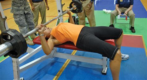 strongest female bench press photos