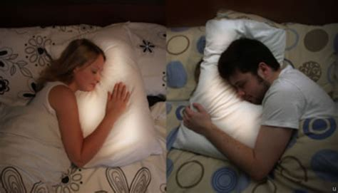 Pillow For Distance Couples by Pillow Talk For Distance Relationships Ubergizmo