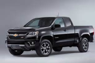 2015 chevrolet colorado z71 front three quarters photo 12