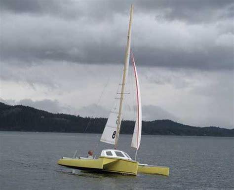 trimaran under 20 feet sailing catamarans strike 18 trimaran using a 16ft beach
