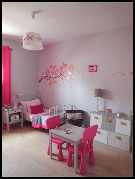 chambre fushia chambre d enfant fushia et grise par sc 232 nes d int 233 rieur