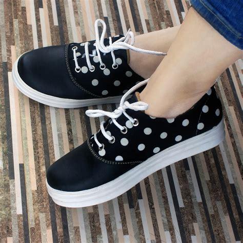 Sepatu Wanita Slip On Polka puisi puisi rudi setiawan furniture office