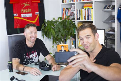 designcrowd lewis howes ryan blair rock bottom moments to rock star opportunities