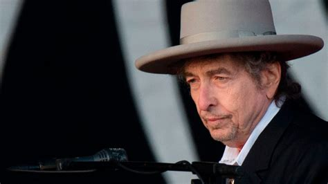 bob dylan lost interviews shed light  reclusive singer