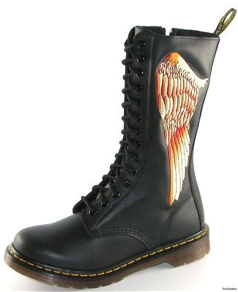 Sepatu Boot Wing On 17 best images about sepatu on dr martens doc martens and union