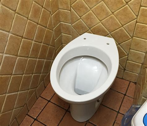 public bathrooms in italy bathroom basics for travel in italy italy travel planner