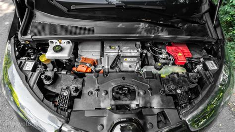 renault zoe engine 2015 renault zoe review autoevolution
