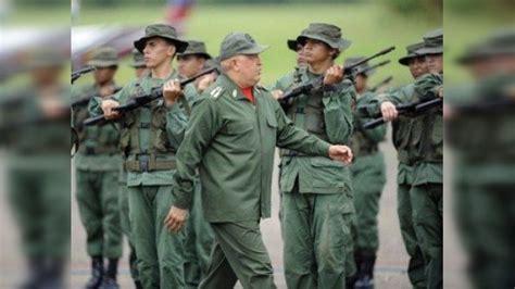 armas y uniformes de 8430570365 ch 225 vez anuncia que venezuela pronto recibir 225 m 225 s armas y equipo militar ruso rt