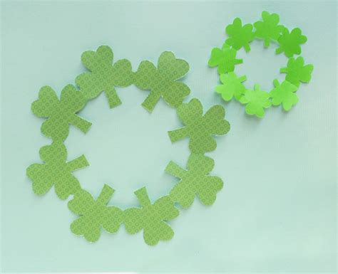 Shamrock Decorating by Zakka Craft Kirigami Shamrock Decorations