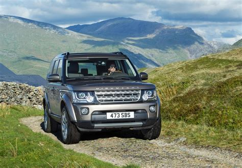 land rover lr4 2015 2015 land rover lr4 gets improved connectivity steeper price