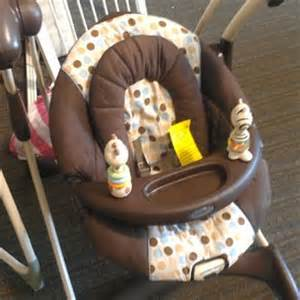 graco swing vibrating chair graco soothing vibrations swing graco