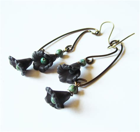 lucite for jewelry boho jewelry black lucite flowers earrings with green
