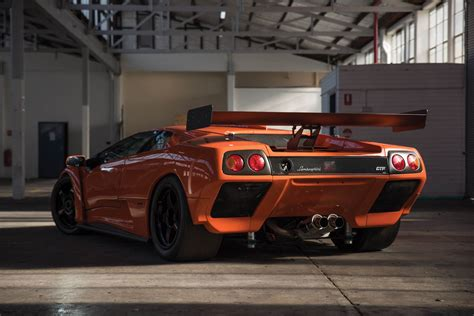 lamborghini diablo this lamborghini diablo gtr is just begging for a day at