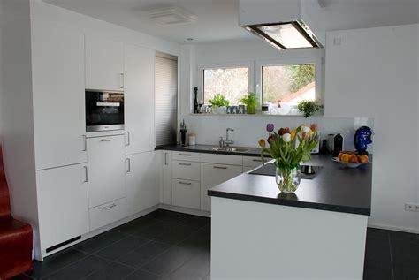 wohnzimmer und küche farbkombi wohnzimmer t 252 rkis braun grau