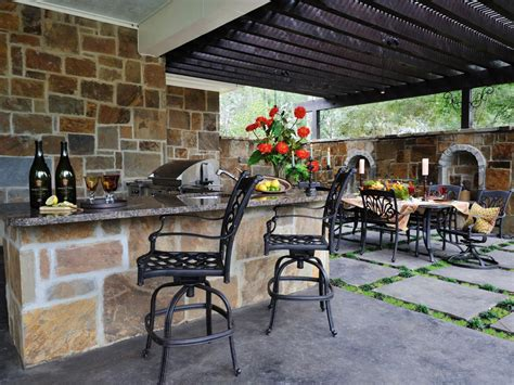 Building An Outdoor Kitchen Pictures Ideas From Hgtv Hgtv Backyard Bars Designs
