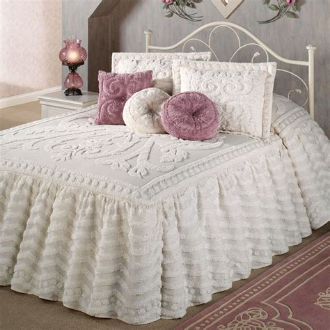 Beautiful Bedspreads 21 Beautiful Bed Linens In This Gallery Mostbeautifulthings