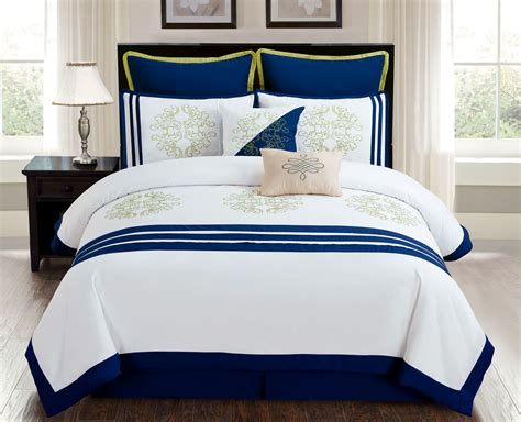 Contemporary Nautical Bedroom With White Nautical Navy And White Bedding Sets